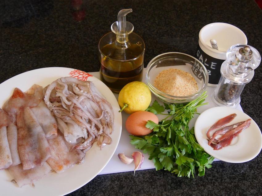 Zutaten für gefüllte Calamari (Calamai ripieni) auf sardische Art
