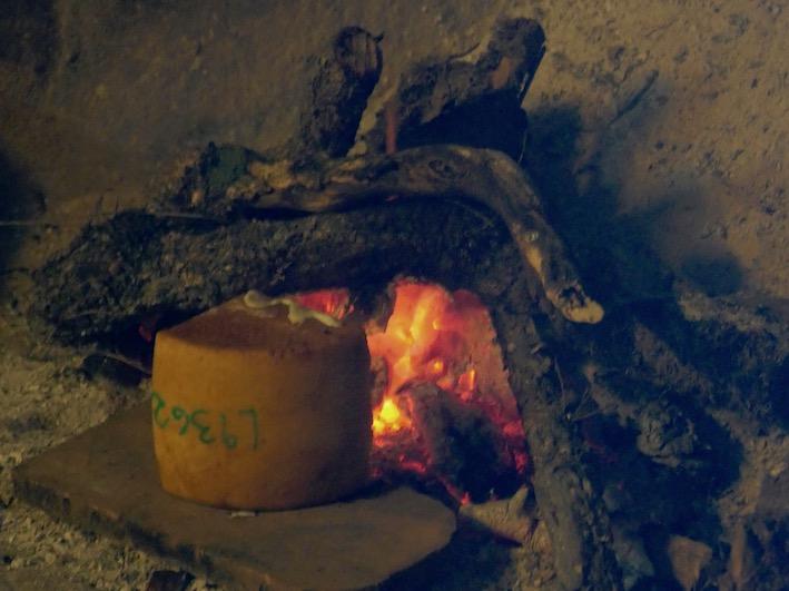 Pecorino vor Feuer